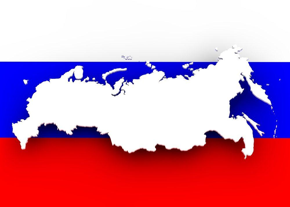 Карта России на фоне флага